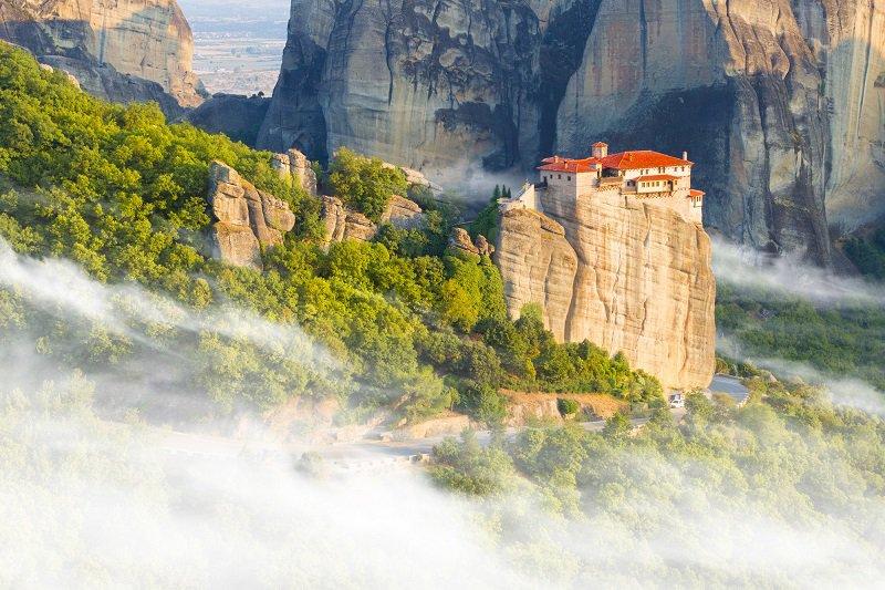 Met de trein naar de Meteora kloosters
