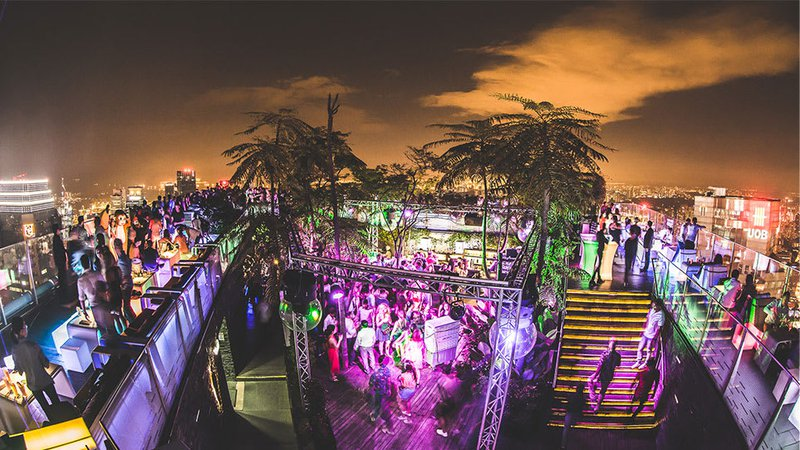 1-Altitude%20rooftop%20bar%20in%20singapore%20