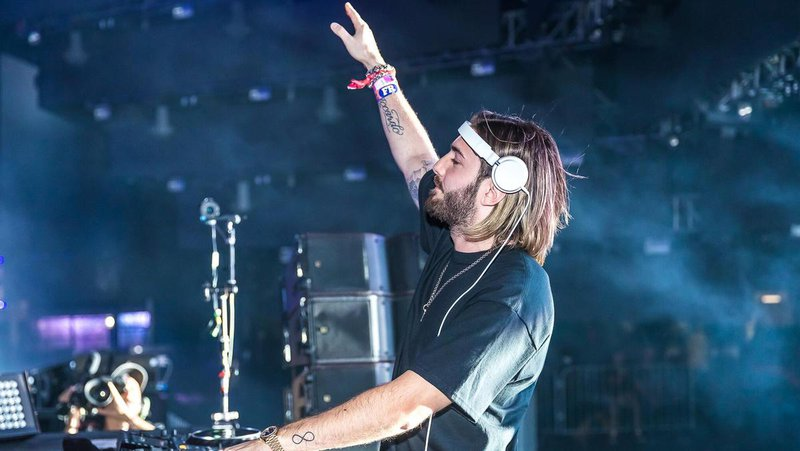 DJ%20Alesso%20performing%20on%20stage