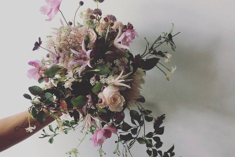 bloemen, paarse bloemen, bruidsboeket, bos bloemen - House of Weddings