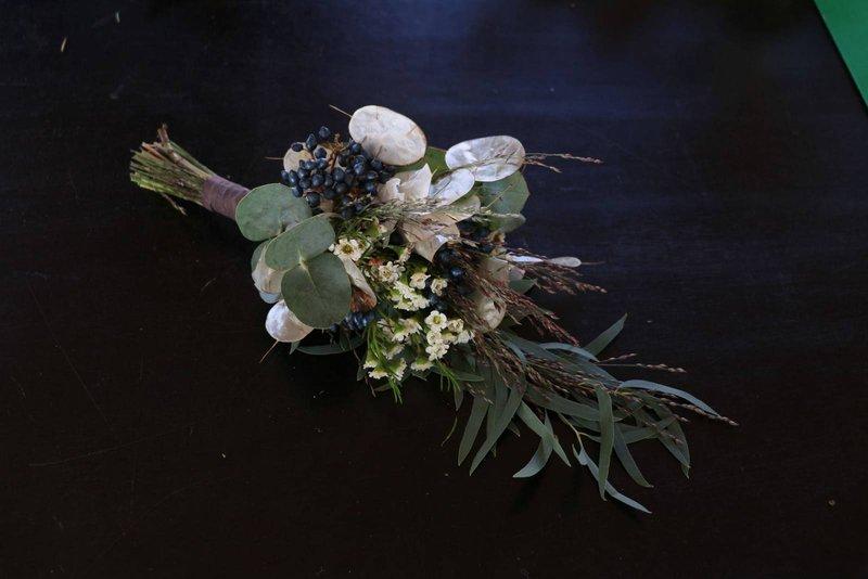 Bruidsboeket arm huwelijk - Young Amadeus - House of Weddings