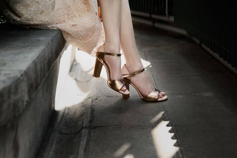 Goudroze sandalen met hak - Moments by Content - House of Weddings