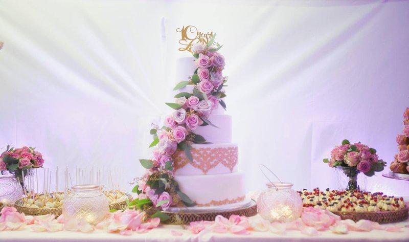 Dessertbuffet huwelijkstaart - bruidstaart - 't Suikerhuys - House of Weddings
