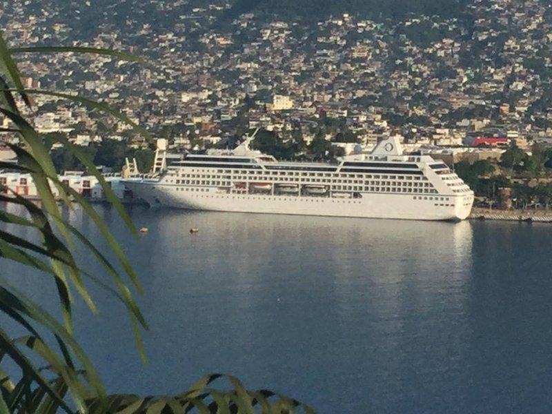 CasaGiovannaAcapulco.com Oceanic Regatta Cruise Ship Acapulco, MX