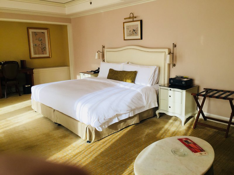 The Astor Hotel in Tianjin - Corner Room