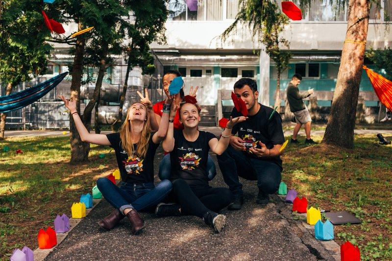 teambuilding - vrijwilligerswerk op een kinderfeestje