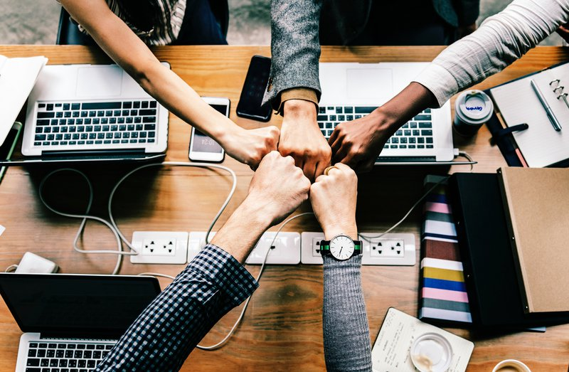 crowdfunding op het werk - bedrijven steunen goede doelen