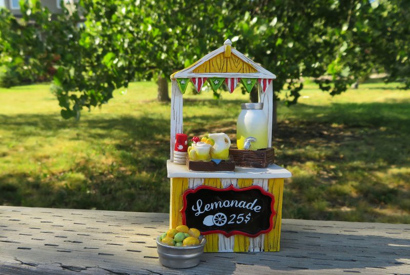 An image of a lemonade stand as a humorous reference to sales strategies for b2b sales